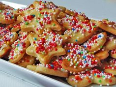 Google Image Result for http://4.bp.blogspot.com/-CO7JXuznLhQ/TvUOJEsExgI/AAAAAAAAB2I/p90JwiGYDCw/s1600/Christmas_Cookies_by_Himmelsblau.jpg