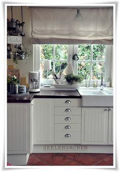 SeelenSachen: My kitchen... Kitchen Butlers Pantry, Butler Pantry, Kitchen Cabinets, Shabby Home, Shabby Style, Country Kitchen, Cottage Style, Home Kitchens, Kitchen Design
