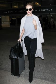 5 March Rosie Huntington-Whiteley was spotted at LAX looking cool and casual in a T-shirt and jeans.   - HarpersBAZAAR.co.uk