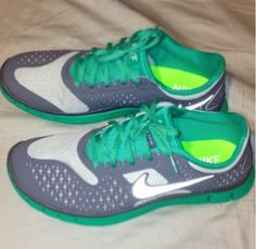 Nike Workout Attire, Workout Outfits, Workout Wear, Fitness Gear, Fitness Fashion, Cool Nike Shoes, Colorful Shoes, Train Hard, Athletes