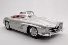 A fine large-scale collector's model of the Mercedes-Benz Roadster. S Models, Scale Models, Daimler Benz, G Wagon, Fuel Injection, Gto, New Model, Bugatti, Motor Car