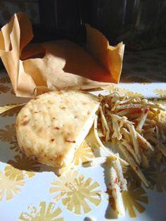 Sliceable, shreddable hard cheese made with milk kefir without using heat or rennet. Coconut Milk Nutrition, Pasta Nutrition, Kefir How To Make, How To Make Cheese, Kefir Recipes, Cheese Recipes, Kefir Probiotic, Probiotic Drinks, Kefir Yogurt