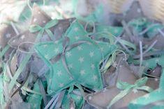 """Χειροποίητα Βιβλία Ευχών και όχι μόνο!!!!!!: Βάπτιση με θέμα """"αστέρι-βεραμαν"""" Gift Wrapping, Baptism Ideas, Blog, Gifts, Babyshower, Gummi Candy, Gift Wrapping Paper, Presents, Wrapping Gifts"""