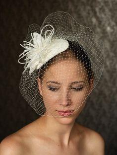 Fabulous BIRDCAGE VEIL  wedding headpiece  bridal hat. par klaxonek