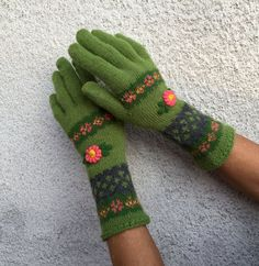 Green Florar Knitted Gloves Rustic Vintage Accessory by domklary ♡