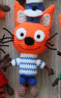 "Кот Коржик амигуруми из мультфильма ""Три кота"" Pet Toys, Doll Toys, Baby Toys, Kids Toys, Dolls, Crochet Toys Patterns, Stuffed Toys Patterns, Crochet Hats, Easter Crochet"