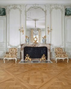Pomp and Circumstance - Jacques Garcias redesign at the Louvre - Hotels Decoration French Architecture, Interior Architecture, Versailles, Luxury Interior, Interior Design, Art Decor, Room Decor, Louvre Paris, Hotel Decor