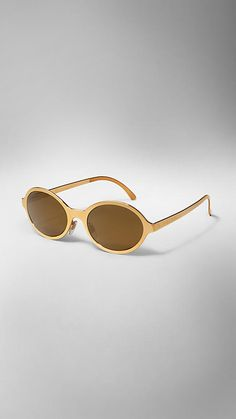 71df8cce2959 Gold Sunglasses by Burberry Lenti