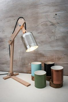 DIY lamp: 76 super cool craft ideas-DIY Lampe: 76 super coole Bastelideen dazu make your own lamps out of cans and wood - Diy Luz, Recycled Lamp, Wooden Table Lamps, Diy Table Lamps, Lampe Decoration, Cool Lamps, Vintage Lamps, Diy Desk, Wooden Diy