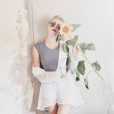 "34 aprecieri, 1 comentarii - ∆ Casandra ∆ (@casandrasy) pe Instagram: ""#sunflower #summer #flower #style #instafashion #fashion #sunglasses #sunshine #festival #looktay"""