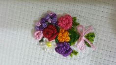 Bullion roses Brazilian Embroidery, Embroidery Stitches, Elsa, Roses, Miniatures, Sewing, Floral, Flowers, Jewelry
