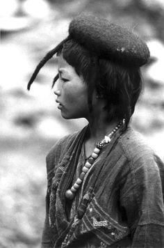 Tibetan and Himalayan Portraits - Nomads of Tibet and Bhutan: Daniel Miller