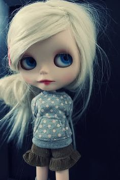 They're creepy, look demonic, And are possibly possessed. And I want one.  Blythe Doll.