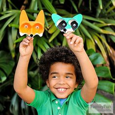 Got egg cartons? Turn them into these forest-animal finger puppets.