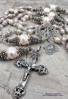 ~*Stuff, I like*~ – Rosary Holy Rosary, Rosary Catholic, Catholic Confirmation, Dainty Necklace, Bar Necklace, Pendant Necklace, Pearl Jewelry, Fine Jewelry, Rosary Beads
