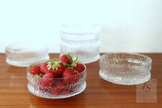 Iittala PAADAR dessert cup - FourSeasons.fi Clear Glass, Glass Art, Dessert Cups, Colored Glass, Strawberry, Mint, Fruit, Desserts, Food