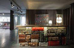 chic&basic Ramblas - Barcelona, Spain Although...   Luxury Accommodations Modern Reception Desk, Reception Desk Design, Hotel Reception, Reception Areas, Barcelona Hotels, Barcelona Spain, Hotel Paris, Desk Layout, Desk Areas