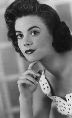 "Natalie Wood ,,,anyone remember the little girl off of  ""Miracle on 34th Street"" ? thats her:)love that movie:)"