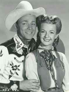 Rogers Tv, Roy Rogers, Hollywood Actor, Old Hollywood, Evans Fashion, Dale Evans, Classic Movie Stars, Happy Trails, Western Movies