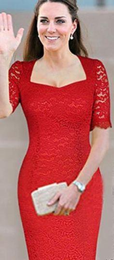 Červené krajkové spoločenské šaty