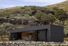 An Off-the-Grid Cottage in New Zealand Available for Rent