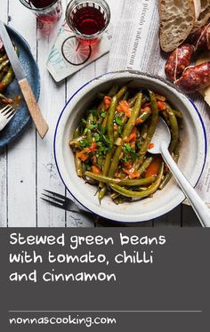 Stewed green beans with tomato, chilli and cinnamon Fresh Vegetable Salad Recipes, Pickled Vegetables Recipe, Fresh Tomato Recipes, Onion Vegetable, Bean Salad Recipes, Green Bean Recipes, Loaf Recipes, Onion Recipes, Chili Recipes