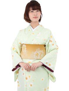 Washable Kimono 《小紋着物 袷 9B》 きもの初めてさんにおすすめなカジュアル小紋の袷着物です。 薄緑地に胡蝶蘭をあしらった上品なデザインです。 一般的に10月~5月にお召しいただける袷の着物になります。 カフェ巡りやお食事会をはじめ、普段着として幅広くお召しいただけます。 素材は、自宅でも気軽に洗えるポリエステル着物のため 気兼ねなくお出かけいただけます。