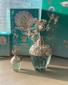 Anna Sui Perfume, Chloe Perfume, Perfume Store, Perfume Bottles, Disney Perfume, Project Mermaid, Perfumes Vintage, Perfume Diesel, Disney Makeup