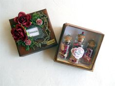 Rosey Posey Pot-pourri Decorative Gift Box with Miniature Bottle