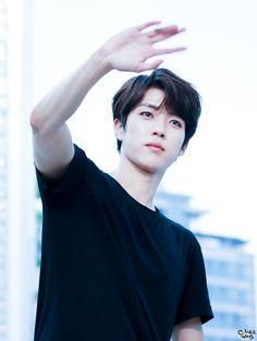 sungyeol - my fav hair on him so far ♥ he looks really handsome