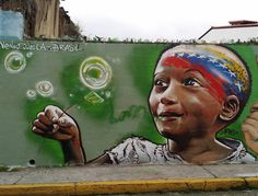"Carão Capstyle El Centro de Mérida  ""Liberdade... Painting in the center of merida city in the mountains here in Venezuela ... very nice people friendly and the face of latin america  very politicized or pelomenos people care about what happens politically aki .. written in .Plenty walls with political sayings, some Chavistas other against the regime that this here #caraone #caraocapstyle 11/2015"