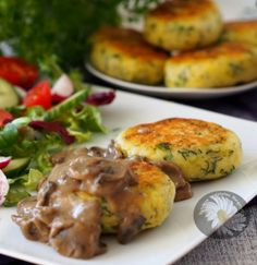Kotlety ziemniaczane Polish Recipes, Polish Food, Slimming World, Baked Potato, Lunch Box, Food And Drink, Low Carb, Cooking Recipes, Yummy Food