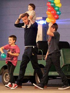 awww adorbs..Harper Beckham