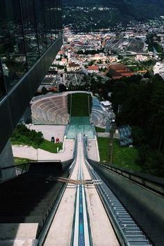 The ski jump at innsbruck austria by zaha hahid for Interior design innsbruck