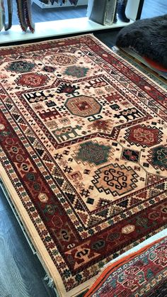 Wool Area Rugs, Wool Rugs, Still Life Images, Rug Texture, Classic Rugs, Types Of Rugs, Knit Pillow, Traditional Rugs, Rugs Online
