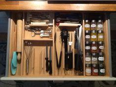 Gaveta feita a medida para tudo o que preciso para os cozinhados
