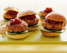 Low FODMAP Recipes - Turkey burgers:  http://www.ibssano.com/low_fodmap_turkey_burgers.html