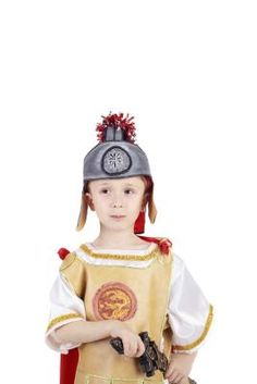 How to make an authentic gladiator costume Roman Soldier Costume, Gladiator Costumes, Roman Soldiers, History Projects, Romans, Harajuku, Children, How To Make, Vintage