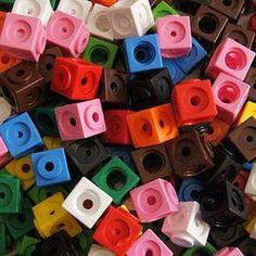 Creo que ya os he mencionado alguna vez este material. Los policubos son unos cubos pequeños que se enganchan unos con otros. Tienen un pequ... Maths Area, Lil Peep Hellboy, Kindergarten Math, Learning Resources, Math Activities, Colours, Education, Toys, Montessori