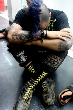 #punk. IM IN LOVE WITH THIS PICTURE!!! WHY. WHY ARE YOU SO ADORABLE?
