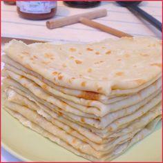 Crêpes sans oeuf ni lait (vegan) Here is the pancake batter recipe I use all the time! Vegan Dessert Recipes, Brunch Recipes, Baby Food Recipes, Crepe Vegan, Lait Vegan, Patisserie Vegan, Vegan Crepes, Gateaux Vegan, Batter Recipe