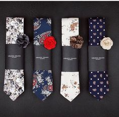Tie + buttonhole