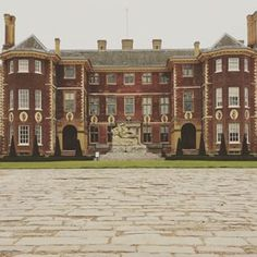 You can admire the elegance of Ham House. | 23 Things You Won't Believe You Can Do In London
