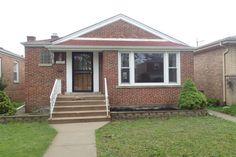 2754 W Farwell Ave, Chicago, IL 60645