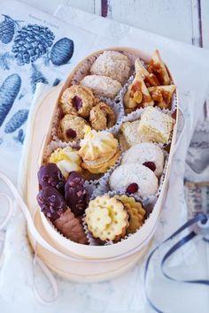 Spritzgebäck, Makronen und Vanillekipferl - diese klassischen Plätzchen dürfen an Weihnachten nicht fehlen.