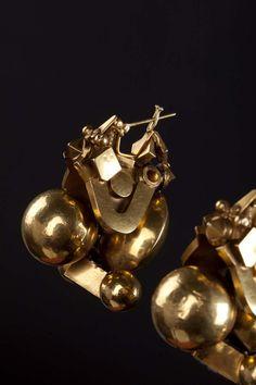 """Pampadam"" earrings. Gold. Tamil Nadu, India. Early XX century."