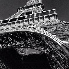 #simple #Paris #geometry #FRANCE #black&white  by nastya_bi13