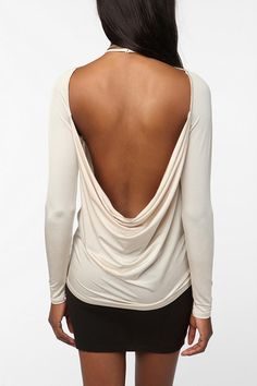 love the urban outfitter top :)