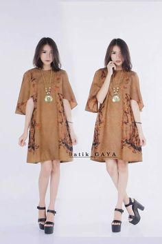 All about Batik Blouse Batik, Batik Dress, Kimono, Blouse Dress, Plus Dresses, Simple Dresses, Traditional Fashion, Traditional Outfits, Mode Batik
