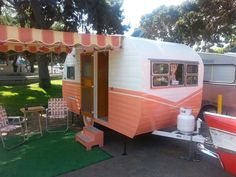 You will be snug in bed whilst everyone else is still on the lookout for their tent poles. The valley […] Retro Caravan, Vintage Campers Trailers, Retro Campers, Vintage Caravans, Camper Trailers, Vintage Motorhome, Airstream Vintage, Classic Trailers, Gypsy Caravan